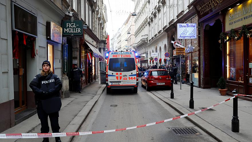 Shots fired in downtown Vienna: one dead and another injured