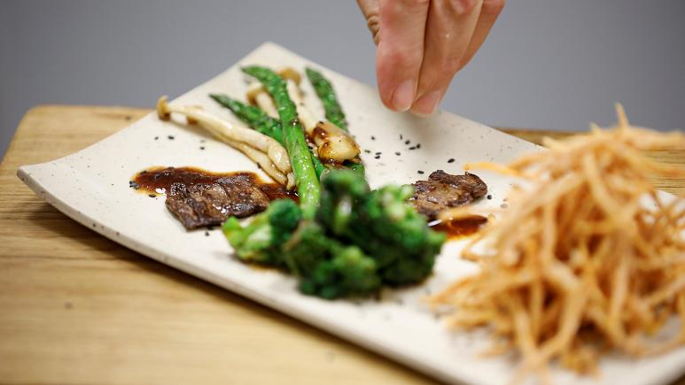 Israeli company aims to have world's first lab-grown steak on market by 2021